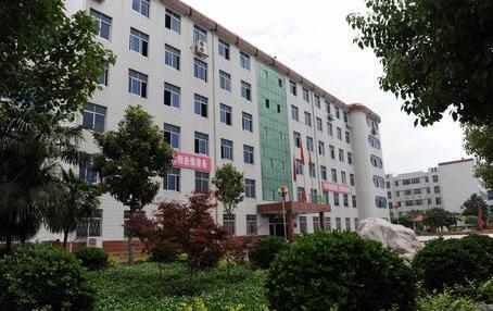 南阳工业学校校园---南阳工业学校招生信息网
